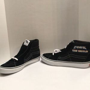 Vans Off the Wall sneakers F the World 13